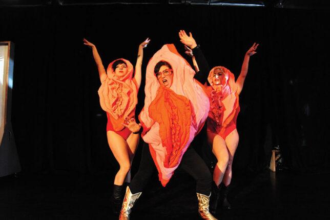 vagina_wolf_vagina_dance_trio_3