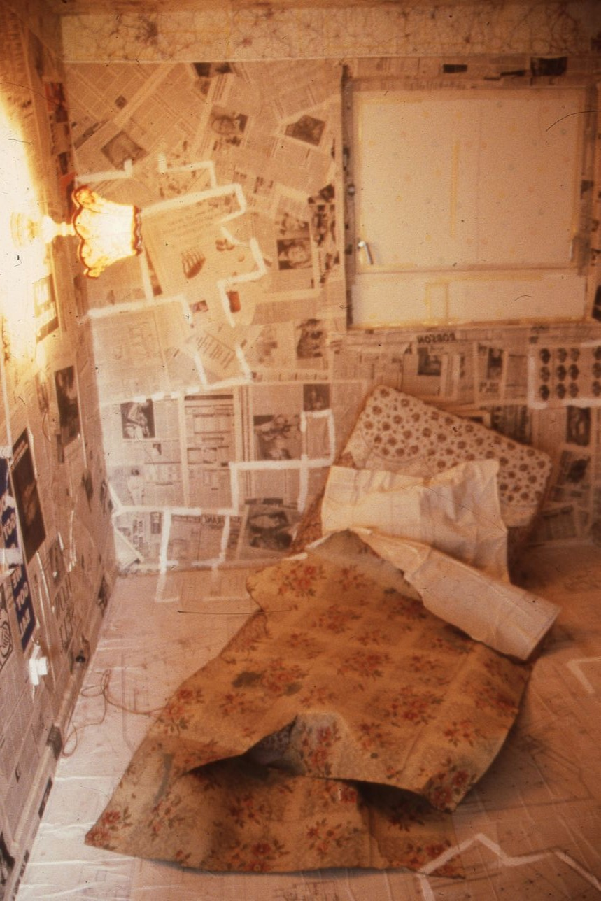 Annie Lovejoy, A Room of My Own, Castlemilk Womanhouse, 1990. Castlemilk Womanhouse collection, Glasgow Women's Library. (2 of 2)