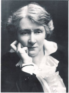 Edith Craig portrait copyright of National Trust