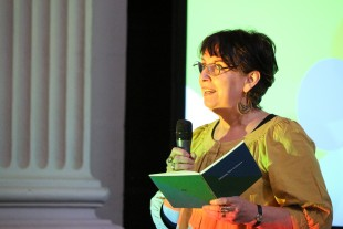 Magi Gibson reads her 'Dramatic Monologue'