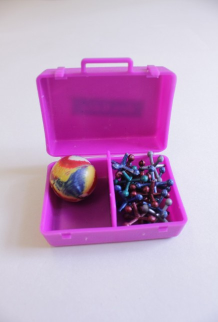 Set of jacks with rubber ball