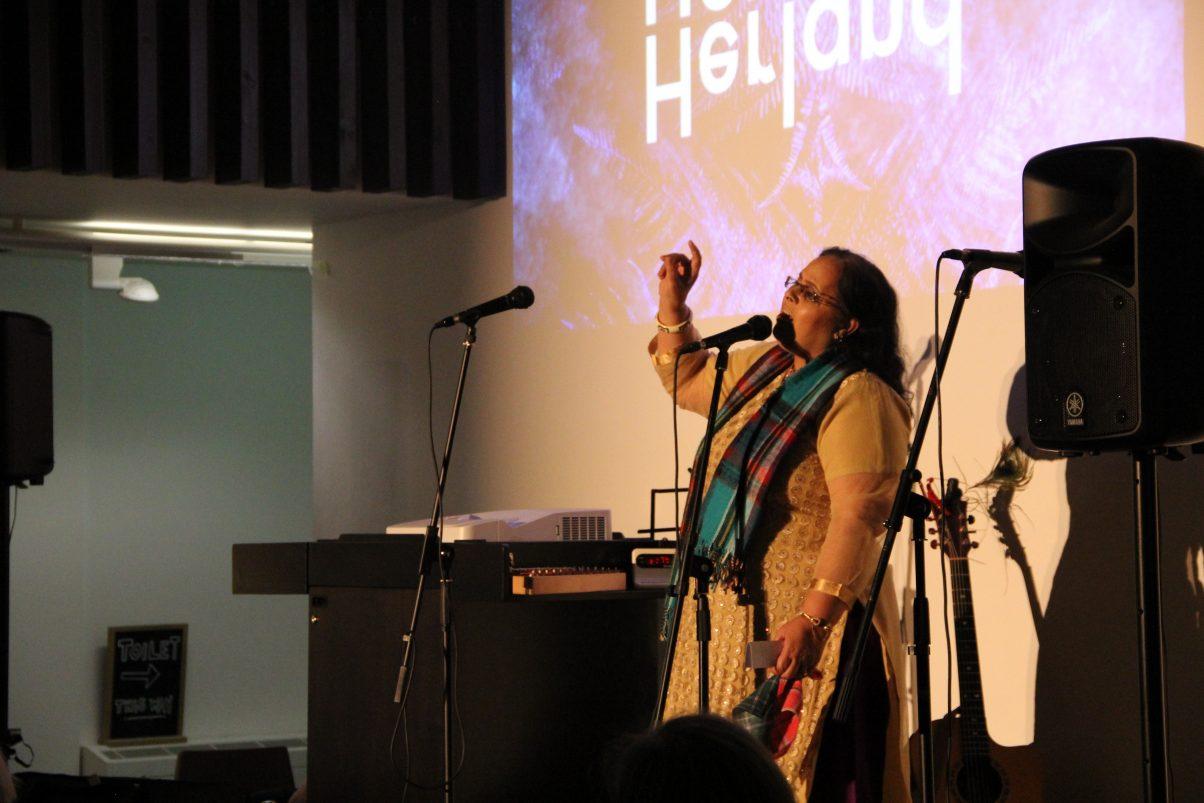 Shamshad Ghani singing Auld Lang Syne in Punjabi at Herland: Alternative Burns Night, Jan 2018 Credit: GWL