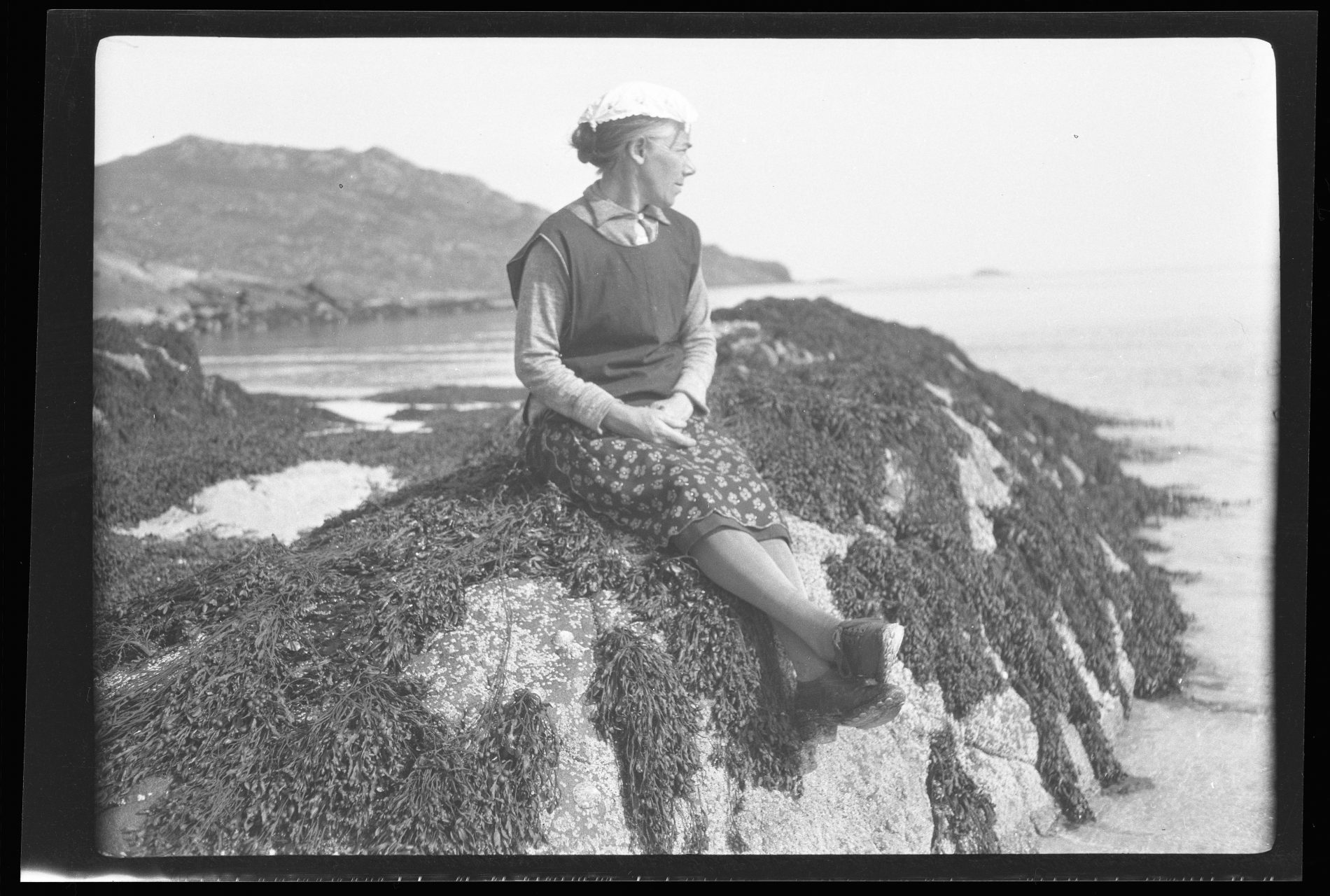 Màiri Anndra (Màiri MacRae) on South Uist, photographed by Margaret Fay Shaw in the 1930s. Credit: ©National Trust for Scotland, Canna House