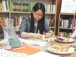 Women Making It Scrapbooking. Credit: GWL